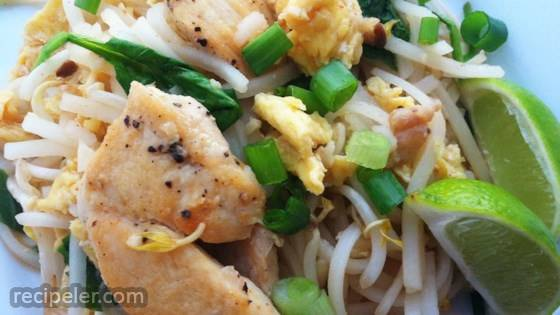 joe's fusion chicken pad thai