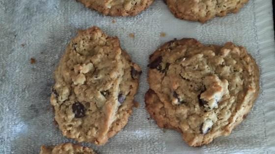 kathy's peanut butterfinger® oatmeal cookies