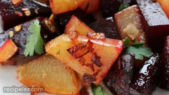 Key Sir Alicha (Ethiopian Beets and Potatoes)