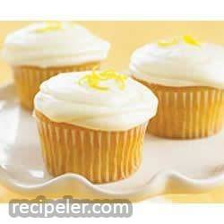 Lemon PHLLY Cupcakes