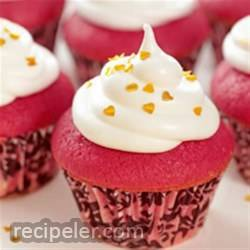 Mini Red Velvet Cupcakes with talian Meringue Frosting