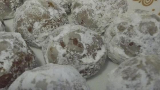 Molasses Snowballs