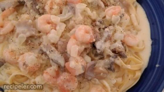 Mushroom Shrimp Alfredo Pasta