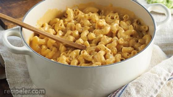 One-Pan Cheddar Mac