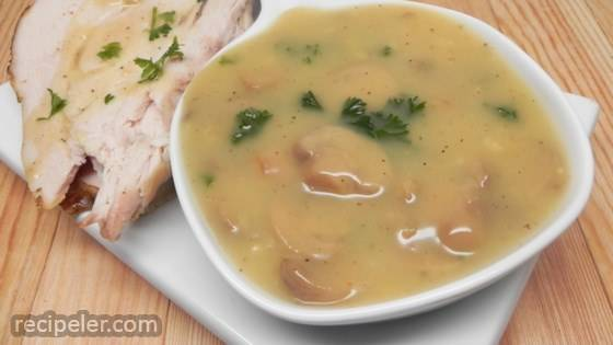Parsley-Mushroom Gravy