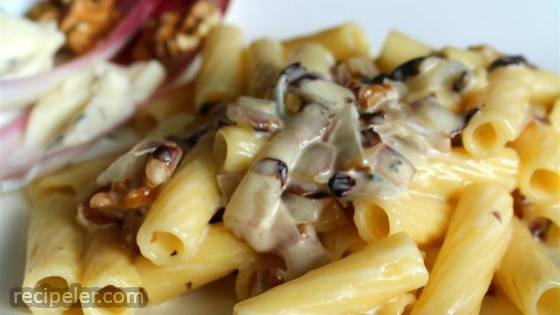 Pasta with Gorgonzola Sauce and Radicchio