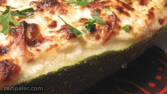 Pepperoni Stuffed Zucchini