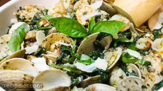 Pesto Clams and Shrimp Linguine