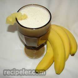 pineapple and banana smoothie