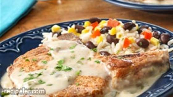 Pork Chops with Creamy Poblano Sauce