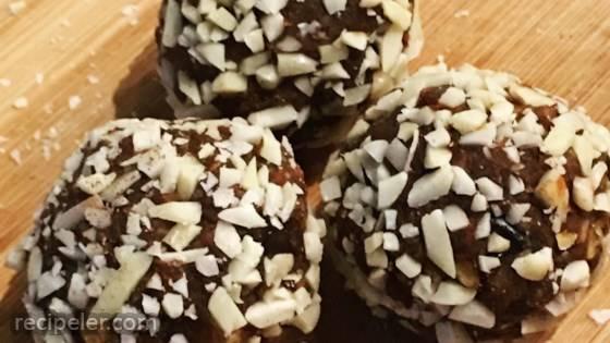 Pumpkin-Almond-Date Balls