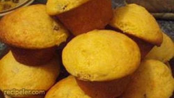 Pumpkin Yogurt Raisin Muffins