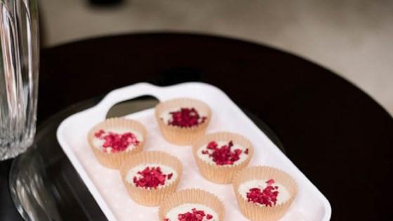 raspberry white chocolate keto fat bombs
