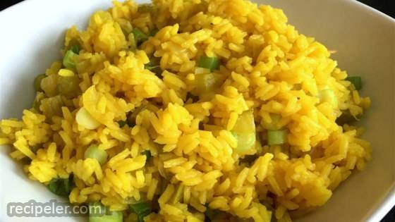 Rice Pilaf with Raisins and Veggies