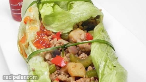 Row Jin Wo-Jiuh - Spicy Lettuce Rolls