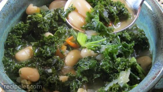 Simple and Delicious Kale Soup