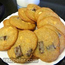 slightly spicy chocolate chip cookies