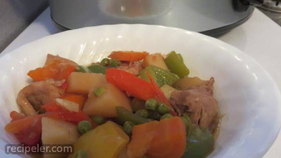Slow Cooker Chicken Afritad