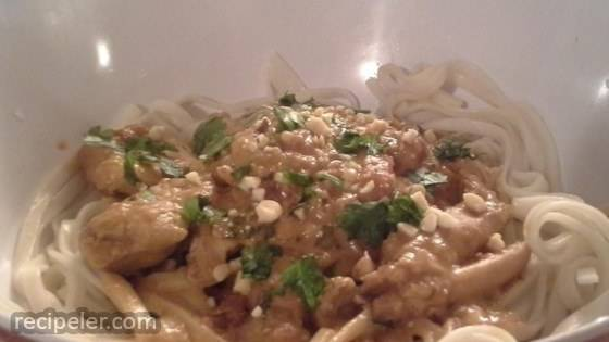 Slow Cooker Chicken Pad Thai