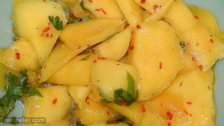 spicy mango salad