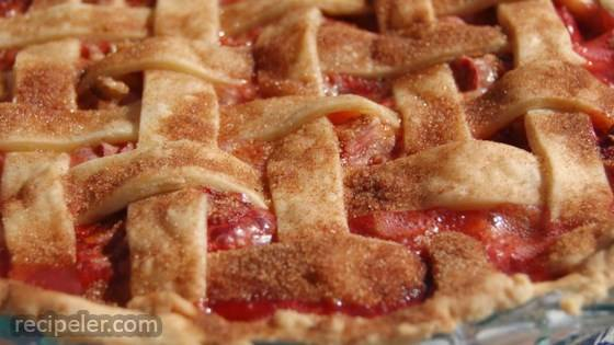 Summer Strawberry Rhubarb Pie