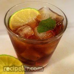 Sun-Brewed Mint Tea