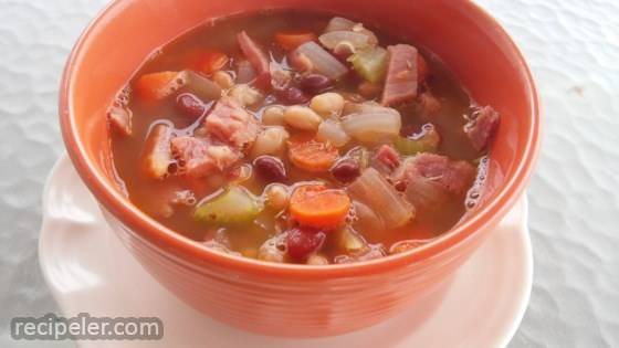 Super Leftover Spiral Ham and Bean Soup