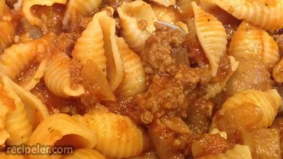 Sweet Garlic Tomato Beef Pasta