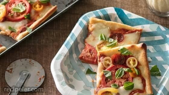 Tomato Margherita Pizza