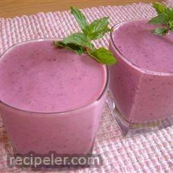 triple threat fruit smoothie