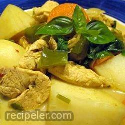 Vietnamese-Style Chicken Curry Soup