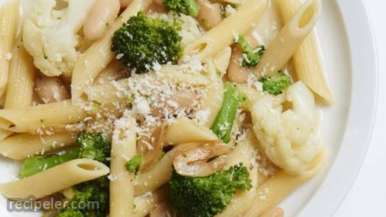 Whole-Family Pasta with Broccoli and Cauliflower
