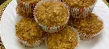 applesauce-oat muffins