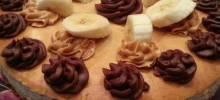 "banana peanut butter cheesecake aka ""the elvis"""