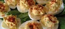 di's delicious deluxe deviled eggs