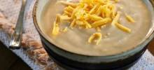 Easy Slow Cooker Cauliflower Soup with Cheese