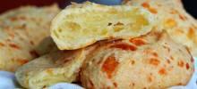 po de queijo (brazilian cheese bread)