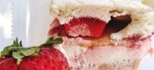 strawberry cheesecake cebox cake