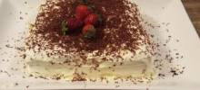 strawberry oreo®-chocolate cebox cake