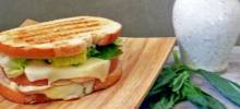 tubby's pesto panini