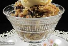 Apple and Dried Cranberry Crisp