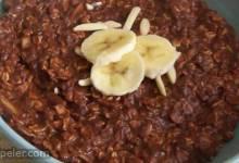 Banana, Chocolate, and Almond Breakfast Oatmeal