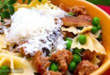 Bow-Tie Pasta with Sausage, Peas, and Mushrooms
