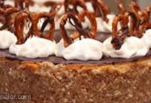 Caramel-Pretzel Cheesecake