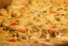 chicken alfredo pizza
