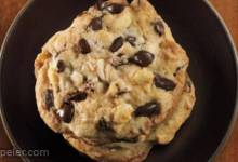Chocolate Chip Cookies from n The Raw Sweeteners