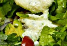 Creamy and Cheesy Ranch Dressing