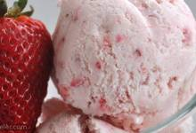 easy, eggless strawberry ce cream