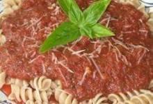 Easy Fusilli with Tomato Pesto Sauce