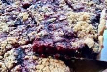 easy three-berry crumble slab pie
